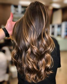 Beautiful hair by using ️… – Balayage Hair Hair Color Highlights, Ombre Hair Color, Hair Color Balayage, Purple Hair, Haircolor, Curly Balayage Hair, Dark Balayage, Short Balayage, Wavy Hair
