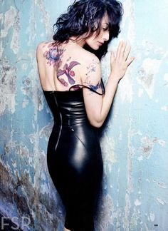 suicideblonde:  Lena Headey photographed by Rankin for Esquire, April 2013