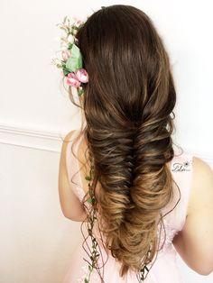 #curlyupdo #updo #updos #upstyle #upstyles #weddinghair #bridal #bridalhair #bridalupdo #bridalupstyles #bridalhair #bridalhairaccessories #bridalhairideas #braids #braidedstyles #braidstyles #lalasupdos #romantic #romanticupdos #romanticstyle #boho #bohochic #bohostyle #bohobride