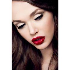 beauty, classic beauty, dark hair, eyeshadow, lips ❤ liked on Polyvore
