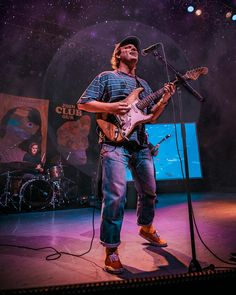 ITAP of mac demarco under a full moon Grunge Style, Soft Grunge, Tokyo Street Fashion, Aesthetic Photo, Aesthetic Pictures, Mac Demarco Albums, Marc Demarco, Le Happy, Grunge Outfits