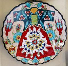 Tile & Ceramics: Çini ve Seramik (Tile & Ceramic) Turkish Design, Turkish Art, Turkish Tiles, Islamic Tiles, Islamic Art, Indian Patterns, Art N Craft, Tile Art, Teller