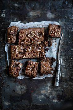 Miljuschka's heerlijke brownies - Miljuschka Blondie Brownies, Fudgy Brownies, Amish Recipes, Dutch Recipes, No Bake Desserts, Dessert Recipes, Cheesecake Cupcakes, Honey And Cinnamon, Happy Foods