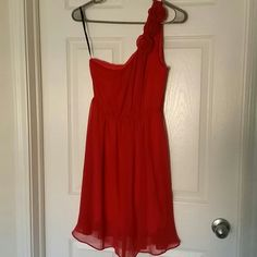 Selling this One shoulder dress in my Poshmark closet! My username is: ccatalina. #shopmycloset #poshmark #fashion #shopping #style #forsale #Forever 21 #Dresses & Skirts