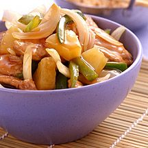 Enjoy a tasty and delicious meal in Learn how to make Sweet & sour pork and get the Smartpoints of the recipes. Ww Recipes, Pork Recipes, Great Recipes, Favorite Recipes, Healthy Recipes, Healthy Snacks, Dinner Recipes, Sweet Sour Pork Recipe, Dinner Options