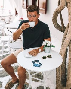 #ad Another espresso? Put it on my tab!  Ive been using (& loving!) the new @AmericanExpress Cash Magnet Card while traveling across Europe to simplify my shopping and its been a breeze! Check out the link in my bio to take a peek at the special launch offer on the #AmexMagnet  it ends today!  #AmexAmbassador