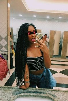 37 Gorgeous Marley Twist Hairstyles to Copy Next Party Latest Marley twists are one of the most Fashionable and protective Braided hairstyles. Box Braids Hairstyles, Marley Twist Hairstyles, Black Girls Hairstyles, Gorgeous Hairstyles, Fast Hairstyles, Hairstyles 2018, Trendy Hairstyles, Hairstyle Ideas, Protective Styles