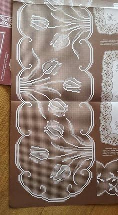 This Pin was discovered by Ayş Filet Crochet Charts, C2c Crochet, Crochet Borders, Crochet Flower Patterns, Crochet Designs, Sewing Patterns, Crochet Tablecloth, Crochet Doilies, Crochet Lace