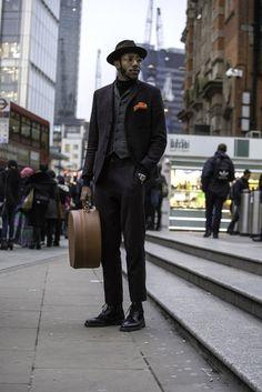 On the street in London. [Photo by Francisco Gomez de Villaboa]