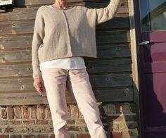 """Pull """"La Droguerie"""", modèle Vauvenargue, laine """"duvet d'Anjou"""", couleur : velouté de champignons"""". Pour Caticolo Pull, Khaki Pants, Normcore, Knitting, Duvet, Style, Fashion, Thank You Mom, Knits"""