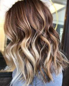 Most Demanding Brown Sugar Brunette With Light Blonde Lowlights - All For Hair Cutes Red Highlights In Brown Hair, Brown Wavy Hair, Light Brown Hair, Dark Hair, Blonde Highlights, Light Caramel Hair, Caramel Blonde, Dark Brown, Ombre Rose Gold