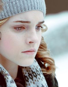 OMG is it just me or is Hermione overly beautiful in this picture?