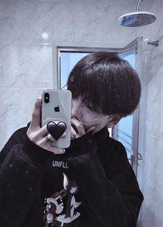 Korean Boys Hot, Korean Boys Ulzzang, Ulzzang Boy, Daddy Aesthetic, Korean Aesthetic, Cute Asian Guys, Asian Boys, Korean Boy Hairstyle, Ullzang Girls