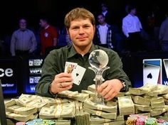 Poker Tips by Jonathan Little - PKRounders Poker Blog : Jonathan Little is a professional player with over $ 5,000,000 in tournament winnings and two titles World Poker Tour. The following video shows us three practical tips to follow during the tournament.