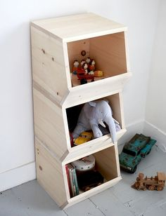 Easy Woodworking Projects - DIY Wooden Toy Bins - Cool DIY Wood Projects for Beginners - Easy Project Ideas and Plans for Homemade Gifts and Decor Easy Woodworking Projects, Diy Wood Projects, Home Projects, Popular Woodworking, Woodworking Videos, Teds Woodworking, Toy Bins, Toy Rooms, Craft Rooms