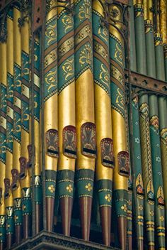 Willis Organ, Hereford Cathedral The beautifully painted Willis Organ, rebuilt by Henry Willis in Beautiful Photos Of Nature, Beautiful Landscapes, Hereford Cathedral, Worcester Cathedral, Organ Music, Soul Songs, Pipe Dream, Cathedral Church, Church Building