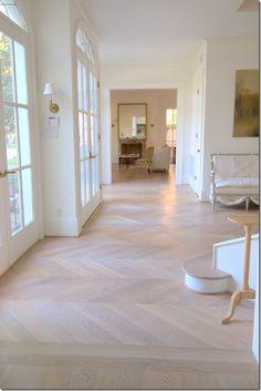 Hongaarse punt eiken in white wash kleur - www.fairwood.nl