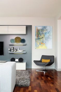 Modern contemporary apartment interior designed by Mia Rao Design located in Chicago. Condo Living, City Living, Home And Living, Living Spaces, Modern Living, Living Rooms, Modern Interior Design, Interior Architecture, Floor Design