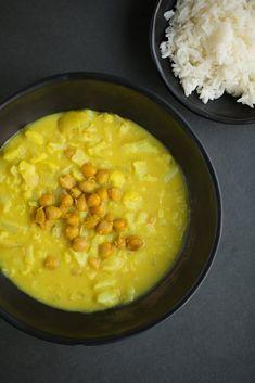 Immune Boosting Cauliflower + Turmeric Soup Recipe – The Healthy Chef Healthy Chef, Healthy Fats, Healthy Eating, Macadamia Nut Butter, Turmeric Soup, Dairy Free Eggs, Egg Free, Roast Pumpkin, My Cookbook