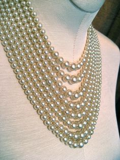 Art Deco pearl necklace.