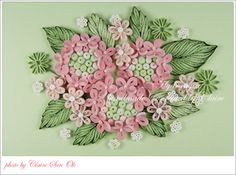 수국의 꽃말은 진심과 변덕입니다.   이 아름다운 꽃에 변덕이라는 꽃말이 붙은 것은 수국의 꽃색이   처음에는 흰색이었다가 시간이 지나면 연분홍색, 또 시간이 지나면 신비한 청보라색으로 변하는   모습에서 따 온것 ...