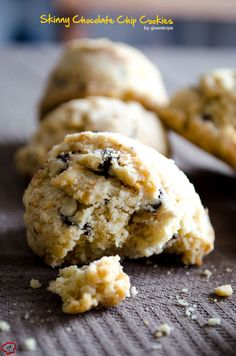 Skinny Chocolate Chip Cookies don't have oil or butter. Noone can tell these are skinny. These will definitely satisfy your sweet tooth! Vegan-friendly too. | giverecipe.com | #chocolatechipcookies