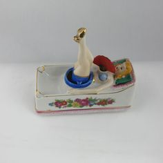 Pinup askebeger fra 50-tallet Toothbrush Holder, Home Deco, Pinup, Tips, Home_decor, Hacks, Counseling
