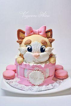 Birthday Cake ★ More on #cats - Get Ozzi Cat Magazine here >> http://OzziCat.com.au ★