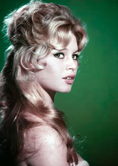 Unknown - Brigitte Bardot on Green Fine Art Print For Sale at Bridgitte Bardot, Art Photography Portrait, Portraits, Color Photography, Hollywood Glamour, Old Hollywood, Marlene Dietrich, Female Actresses, French Actress