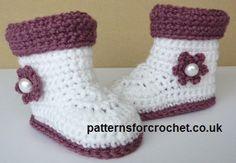Free crochet pattern for baby boots http://patternsforcrochet.co.uk/boots-cuffs-usa.html #patternsforcrochet