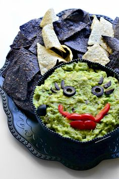 Trick your friends into believing that this guacamole dip is actually the Bride of Frankenstein. They will love you for this treat! #vegan #glutenfree #halloween