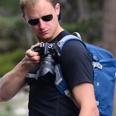 This clip lets you take your camera everywhere. | Peak Design