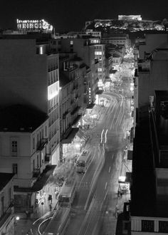 Νυχτερινή άποψη της οδού Πατησίων, δεκαετία 1960