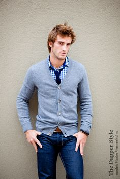 Cardigan sweater, tie, and jeans. My kind of outfit.