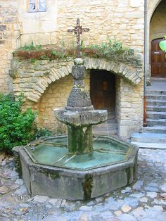 Crestet, Vaucluse, France