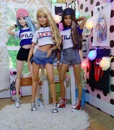 Barbie Tumblr, Barbie Camper, Barbie Bedroom, Sewing Barbie Clothes, Barbie Playsets, Barbie Fashionista Dolls, Barbie Family, Barbie Doll Accessories, Bratz Doll