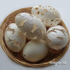 #easterideas#easterdiy#eastereggcrafts. Wow, these are amazing. Homemade Easter eggs to decorate the house for Easter.