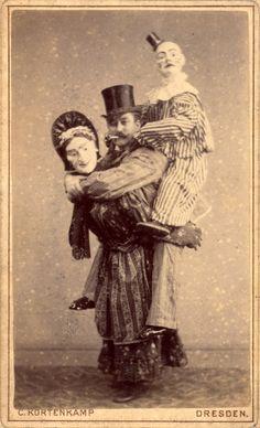 Vreemde foto's uit het verleden