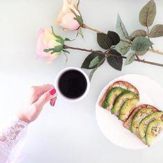 Questa mattina un caffè maxi per iniziare questa fantastica giornata! Destinazione: Foppolo 🗻 #goodmorning #sundaystyle #sunday #caffè #breakfast #coffee