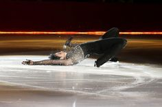 """Johnny being a sexy beast.) - """"Johnny Weir premieres """"Dirty Love"""" on the ice. Johnny Be Good, Johnny Was, Pose Reference Photo, Drawing Reference, Ice Skating, Figure Skating, Johnny Weir Skating, Professional Ice Skates, Stay Wild Moon Child"""