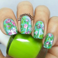 Flower Nails by Instagrammer @neelai14