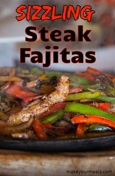 Delicious sizzling steak fajitas recipe - the secret to tender meat and flavorful crisp veggies! A homemade fajita marinade makes these steak fajitas extra tender and delicious. Best Steak Fajitas, Beef Fajita Recipe, Steak Fajita Marinade, Homemade Fajita Seasoning, Beef Fajitas, Homemade Fajitas, Chicken And Steak Fajitas Recipe, Steak Marinades, Vegetarische Rezepte