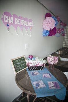 Chá de Fraldas da Maria Valentina com inspiração nas fotos do Pinterest, com ajuda da família e produção da Tia Cris ...