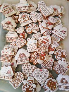 Vánoční perníčky Christmas Cookies, Sugar, Desserts, Food, Xmas Cookies, Tailgate Desserts, Dessert, Postres, Christmas Candy