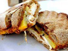 Receta Plato : Chapata con mozzarella, pollo y pesto por ChefeTiagoLopes