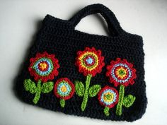 crocheted flower garden bag pattern by  the hobbyhopper