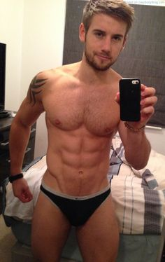 Gorgeous British Fitness Model Alex Crockford