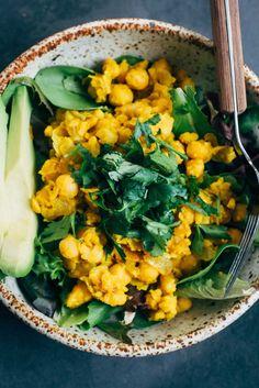 Chickpea Scramble Breakfast Bowl | Well and Full | #vegan #recipe