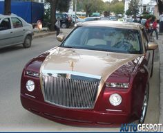 Is It A Rolls-Royce Or A Chrysler? Transforming cars into completely different models seems to be a captivating idea to the automotive enthusiasts. This Chrysler that has been transformed into a Rolls-Royce Replica is a good proof of that.  This project car was noticed on the streets of Morocco, being painted in burgundy and...
