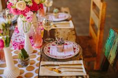 Gold & pink table! The Ally Way | an event design & coordination company